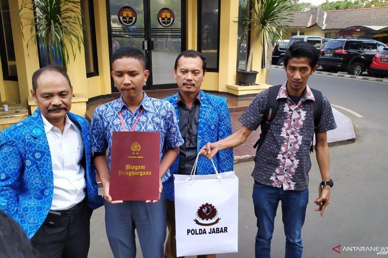 Polda Jabar siap bimbing pelajar heroik Cianjur yang ingin jadi polisi