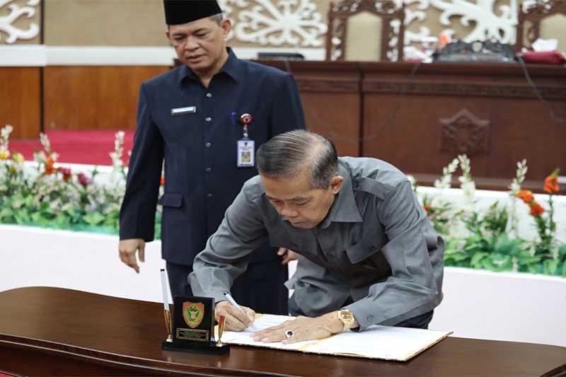 DPRD dan Pemprov Kalteng tandatangani rancangan APBD-P 2019