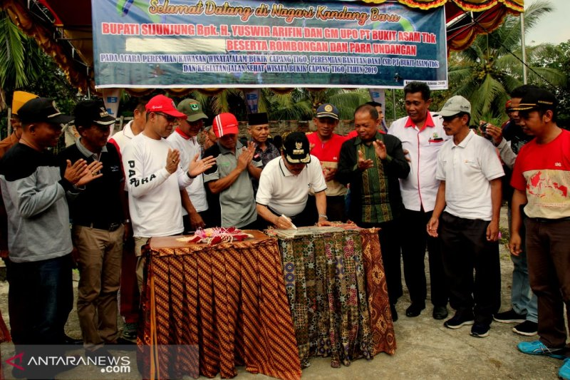 Bupati Sijunjung resmikan kawasan wisata alam, namanya Bukik Cabang Tigo