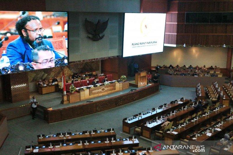 Interupsi terkait Papua warnai rapat Paripurna DPR