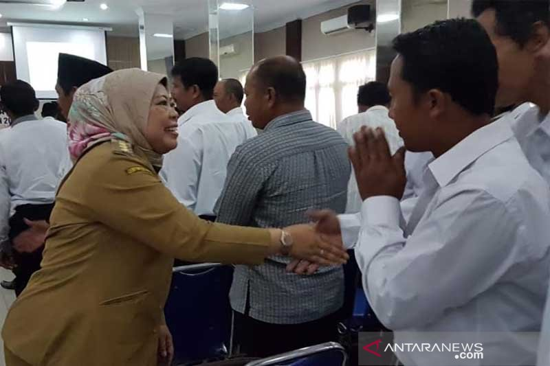 Bupati Kobar meminta calon kepala desa 2019 ciptakan pilkades juara