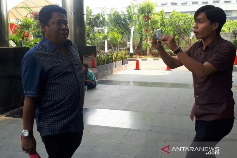 KPK periksa anggota DPRD Jabar Waras Wasisto kasus suap Meikarta
