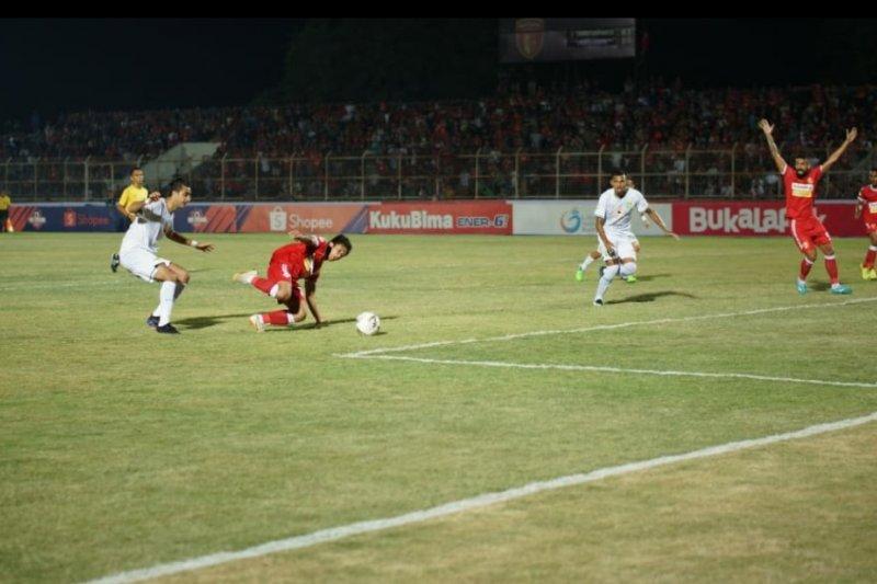 Perseru Badak Lampung ditaklukkan Persebaya 1-3