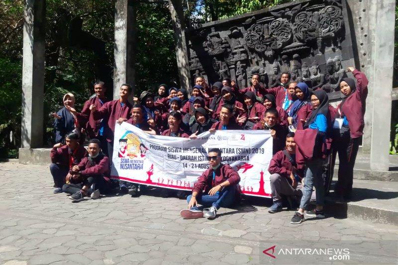 Peserta SMN Riau kunjungi Museum Ullen Sentalu Jogja