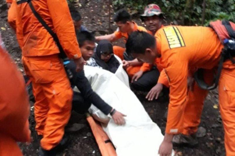 Seorang pendaki Gunung Kerinci meninggal  karena dehidrasi