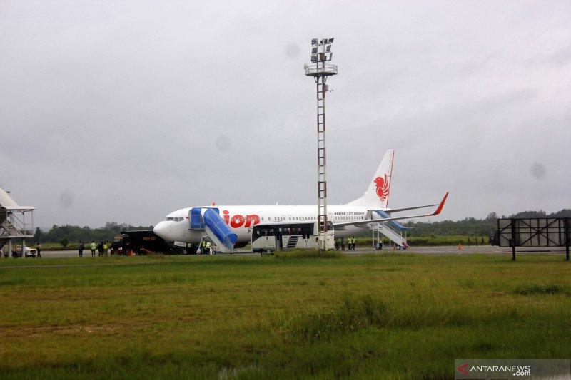 Mesin pesawat alami gangguan dipaksa terbang, ratusan penumpang kecewa