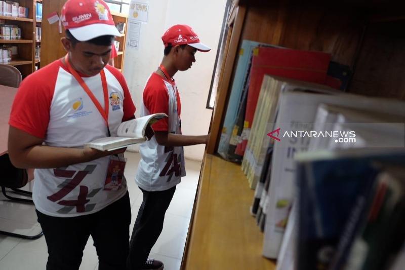 Peserta SMN asal Sulteng kunjungi Perpustakaan Sumut