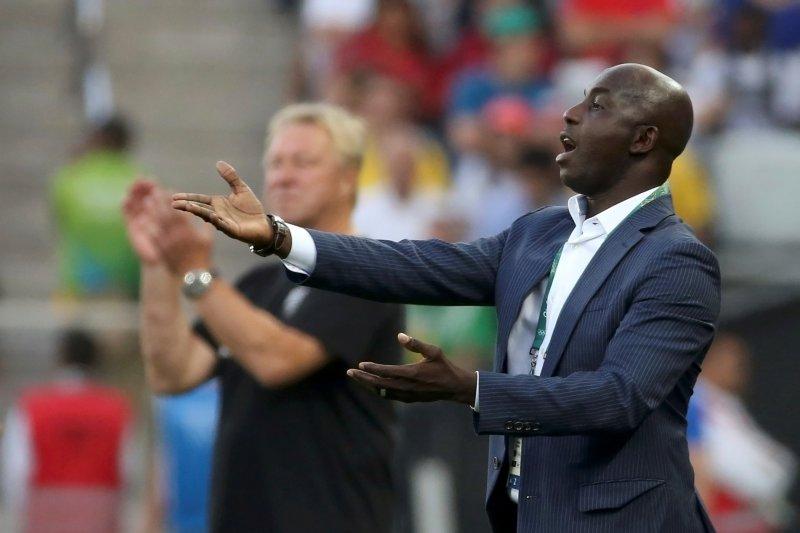 Mantan pelatih dihukum seumur hidup FIFA, Nigeria terkejut