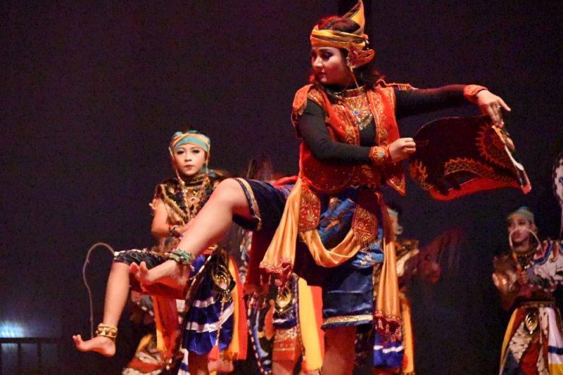 "Kelompok seni jaranan ""Banteng krido"" buka Festival Jaranan Trenggalek 2019"