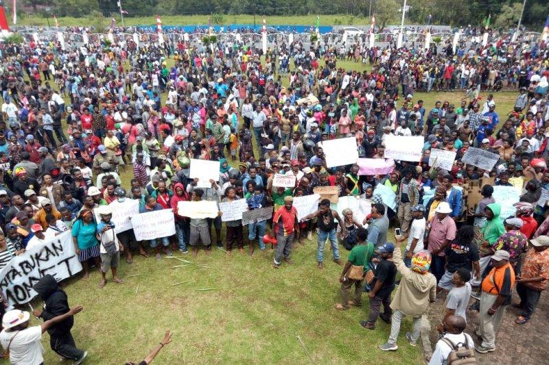 Unjuk rasa damai warga Papua di Timika berakhir ricuh