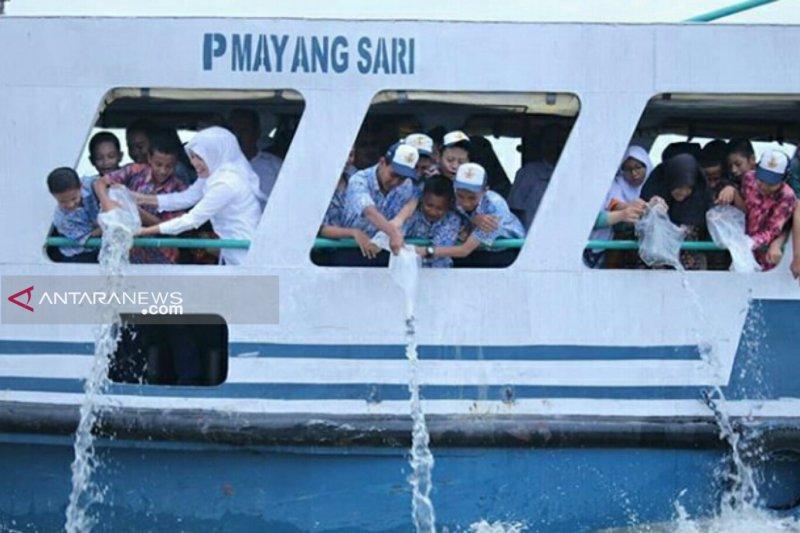 Pemkot Palembang tebar 10 ribu benih ikan ke Sungai Musi