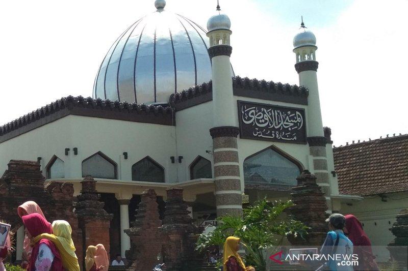 Rp3,5 miliar bantuan imam dan marbot masjid di Kudus