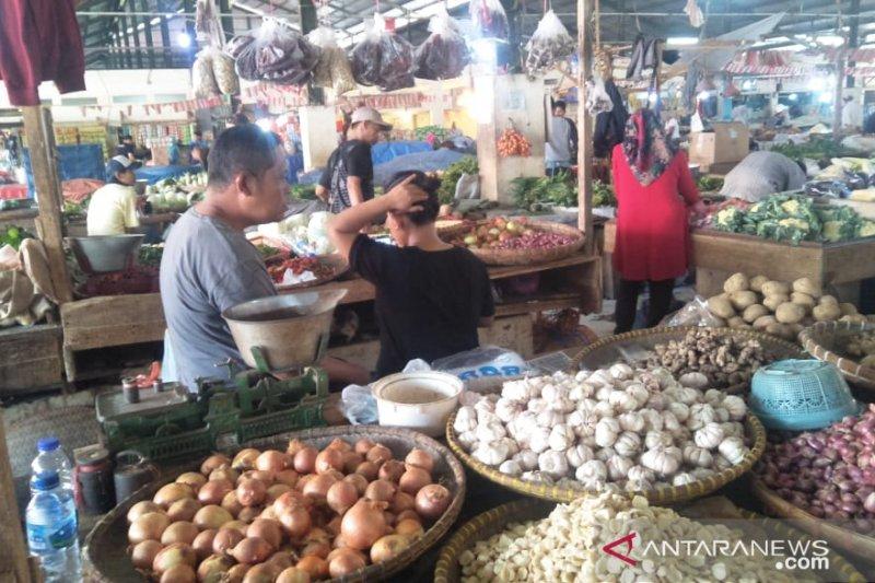 Harga cabai di Cianjur masih tinggi capai Rp75.000 per kg