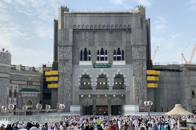 Di Masjidil Haram dan Nabawi pos-pos layanan jamaah tetap disiagakan