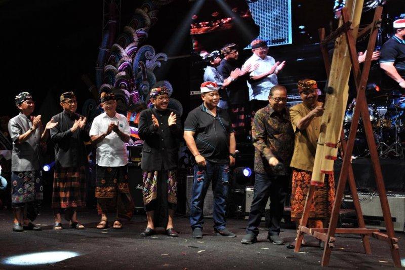 Menkop UKM-Menpar buka Sanur Village Festival 2019