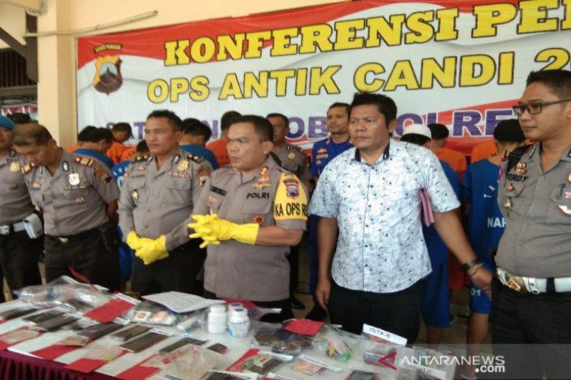 20 pemakai dan pengedar narkoba di Batang diringkus