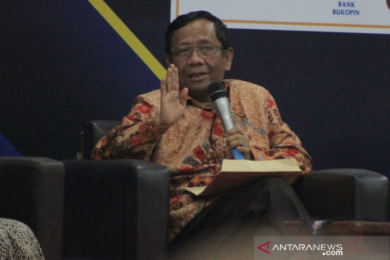 Mahfud MD minta kedepankan persatuan terkait kerusuhan Papua