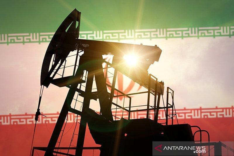 Harga minyak bervariasi karena penurunan stok AS dan tensi Iran-Barat