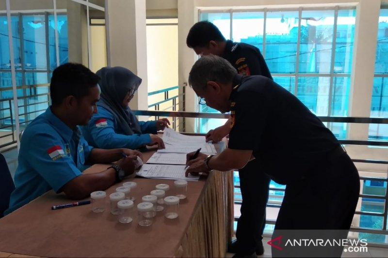 122 pegawai Bea Cukai Tanjungpinang dites urine