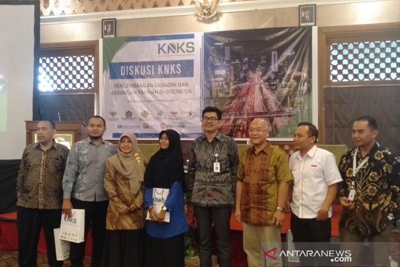 KNKS mendorong adanya permintaan dan penawaran sektor syariah