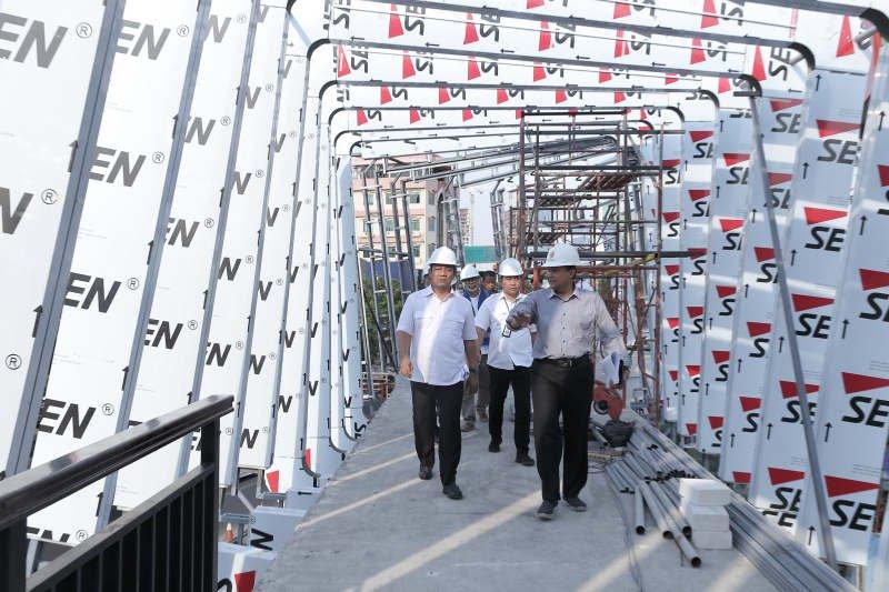 Pembangunan gedung parkir kawasan oleh-oleh Semarang selesai lebih cepat