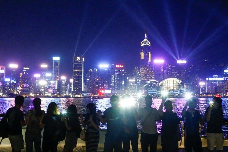 Pariwisata Hong Kong terpuruk