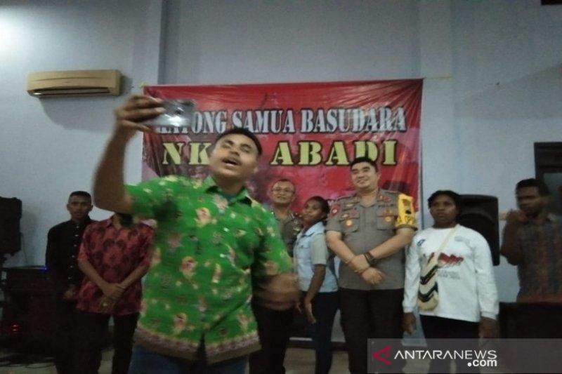 Polisi beri motivasi warga Papua di Pekalongan
