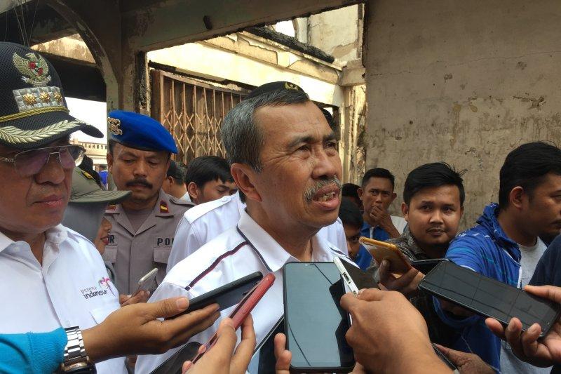 Gubernur Syamsuar beri penghargaan siswa Riau berprestasi tingkat nasional dan internasional