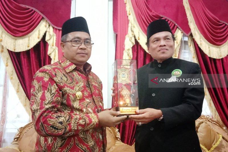 Bupati Aceh Barat tawarkan investasi kepada delegasi Malaysia
