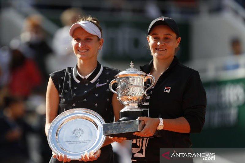 Cedera,  Marketa Vondrousova mundur dari AS Open