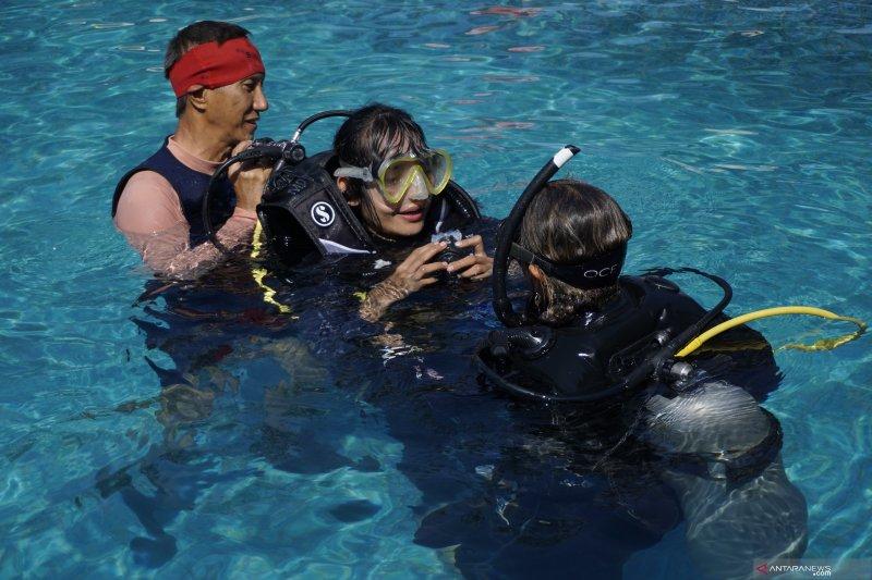 Penyandang disabilitas berbagi pengalaman menyelam di laut Malaka