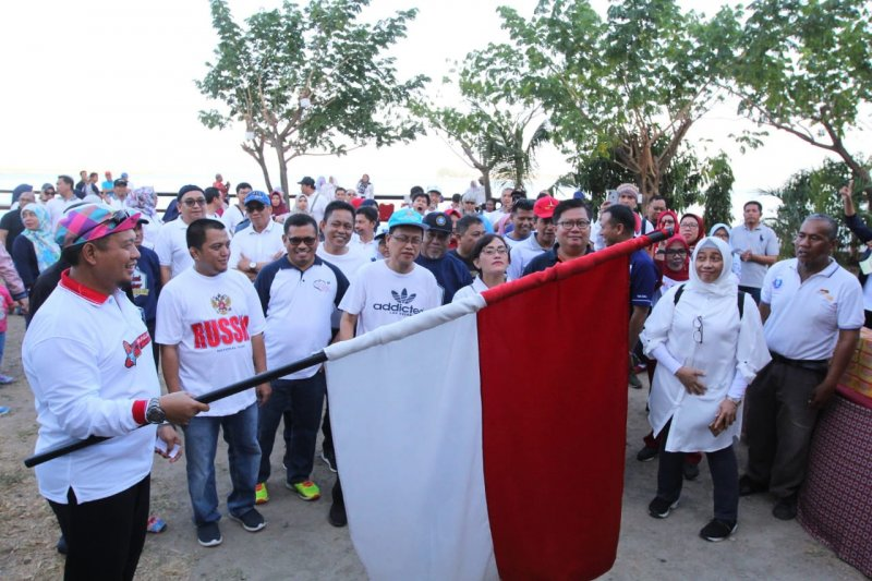 Penjabat Wali Kota Makassar lepas jalan santai reuni IPB