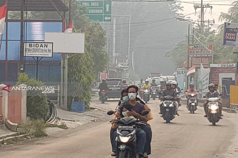 Asap selimuti Kota Pekanbaru, jarak pandang  hanya 1,5 kilometer