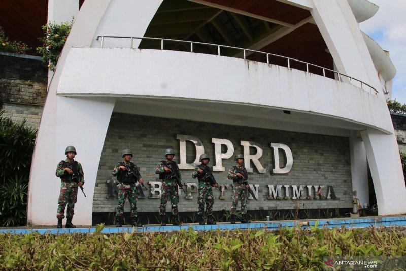 TNI masih lakukan pengamanan di gedung DPRD Mimika