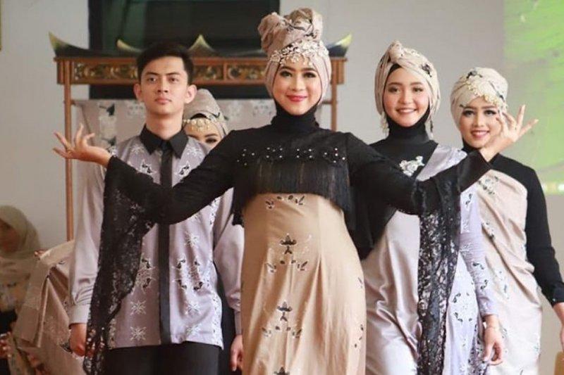 Batik Mandeh Rubiah diluncurkan di Pesisir Selatan