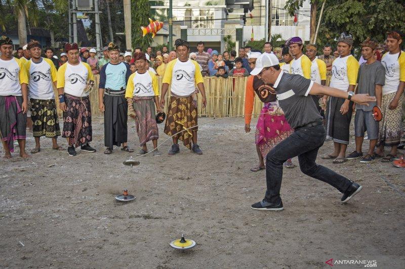 Olahraga Tradisional Gasing Lombok Antara News Kalimantan Tengah Berita Terkini Kalimantan Tengah