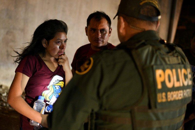 El Salvador kerahkan ratusan polisi ke perbatasan cegah migran AS