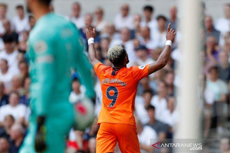 Liga Inggris - Joelinton antar Newcastle permalukan Tottenham