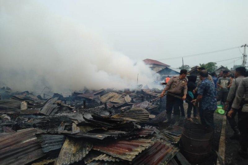 Kebakaran di Seberang Tembilahan, 15 rumah dan satu gudang kopra hangus terbakar