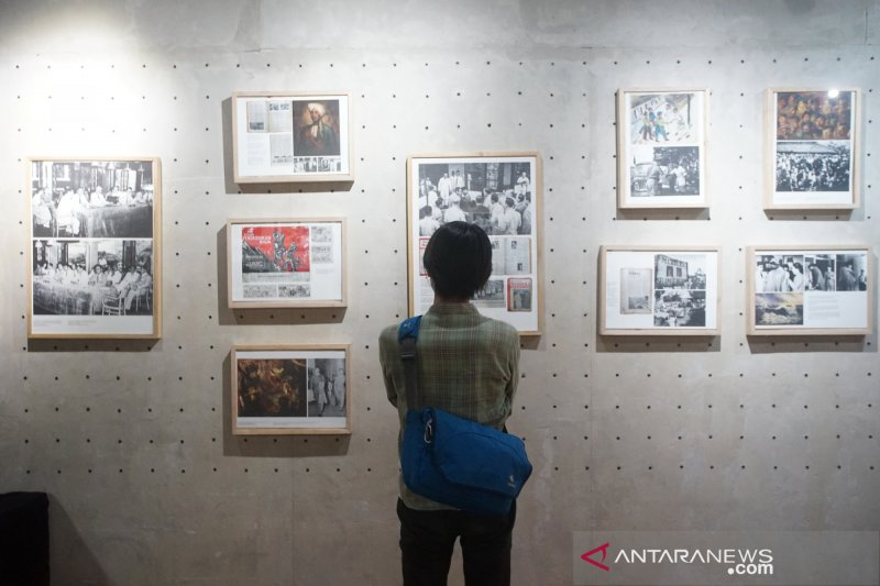 Pameran keliling Art and Diplomacy
