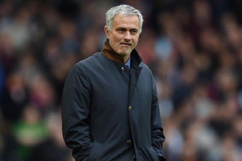 Jose Mourinho pelatih baru Tottenham Hotspur