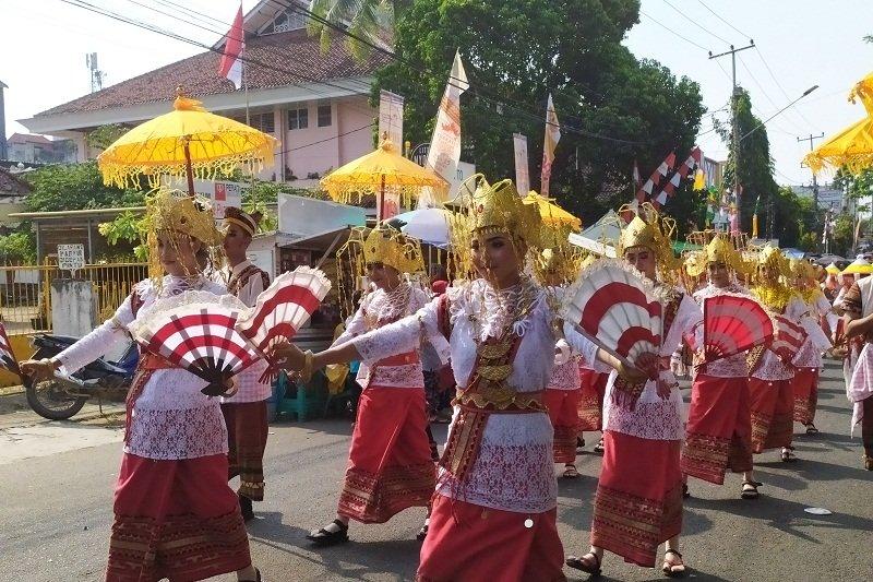 Masyarakat Lampung antusiasme tonton parade Budaya Lampung