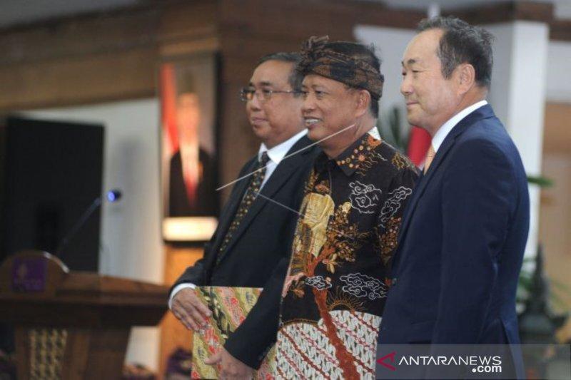 Menristekdikti kenalkan rektor asing pertama masuk Indonesia