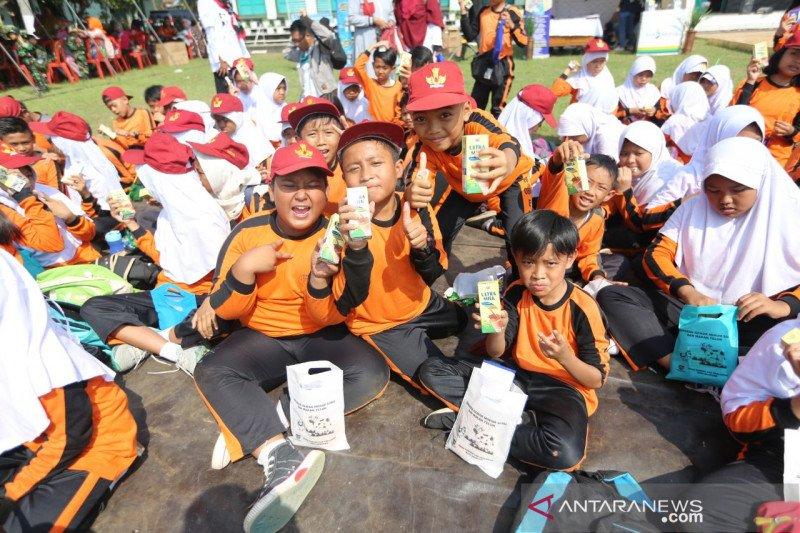 Bandung ajak siswa sekolah gemar minum susu cegah stunting