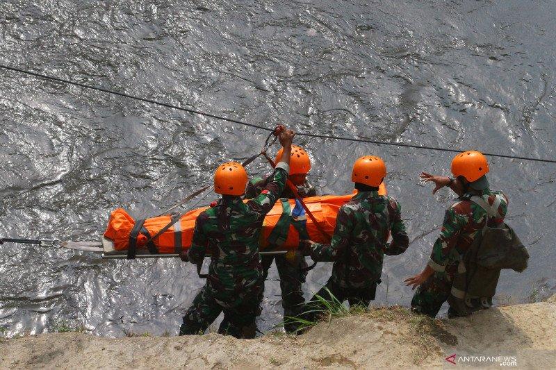 Simulasi penanganan bencana banjir dan longsor