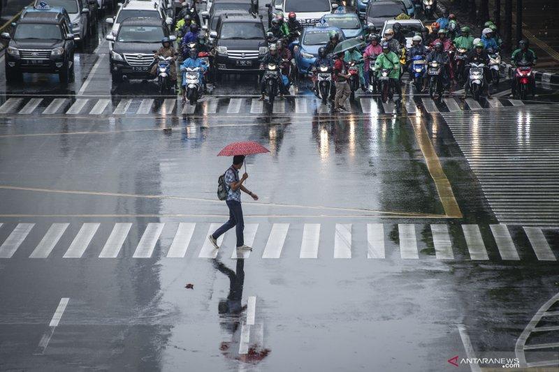 Selatan Jakarta berpotensi hujan sedang dan lebat
