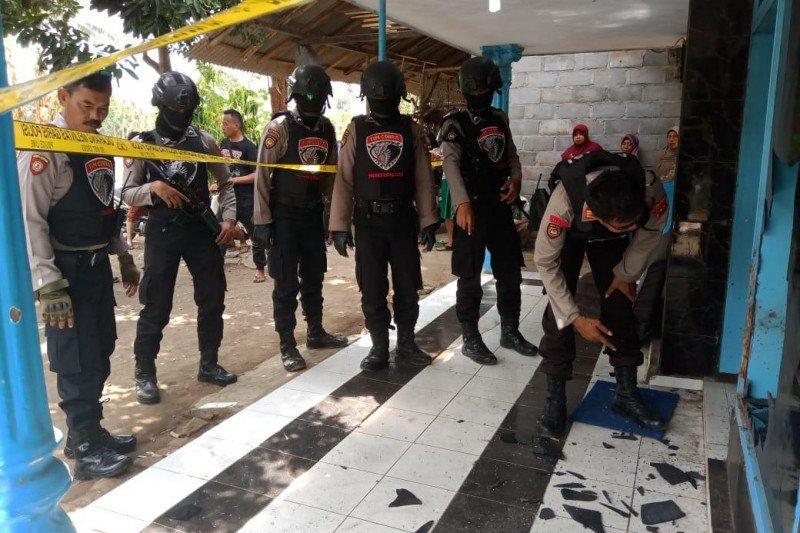 Polisi memburu pelaku teror bom ikan di Lumajang