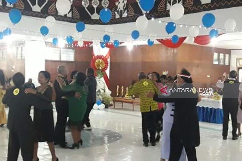 Kupang gelar lomba dansa para lansia peringati HUT RI