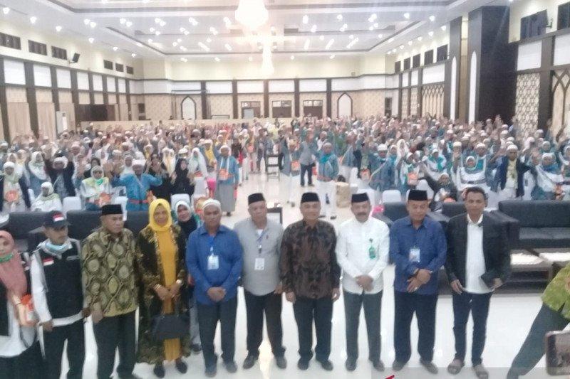 Kepala KKP Makassar terima jamaah haji kloter 14 debarkasi Makassar