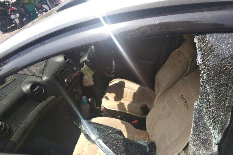 Pencuri sikat Rp100 juta setelah pecahkan kaca mobil